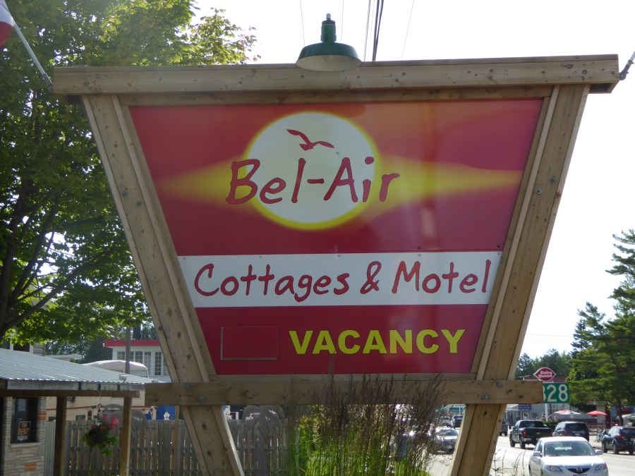 Bel-Air Cottages & Motel Sauble Beach